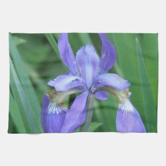 Image de serviette de cuisine d'iris serviette éponge