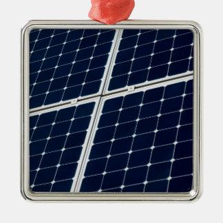 Image d'un panneau d'énergie solaire drôle ornement carré argenté