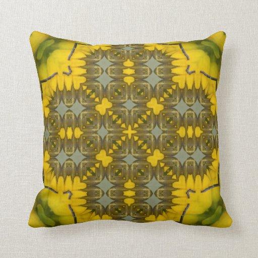 Image jaune 1 de motif de kaléidoscope de Flora Coussin