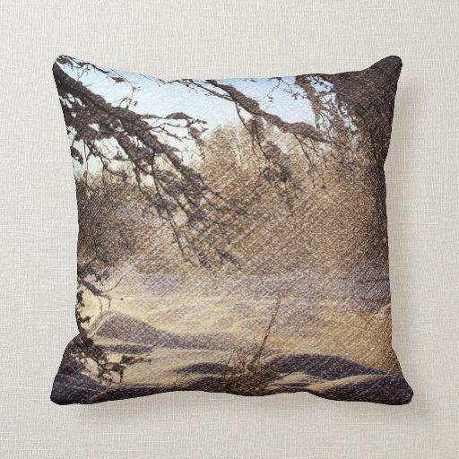 Image renversante de scène de rivière d'hiver oreillers