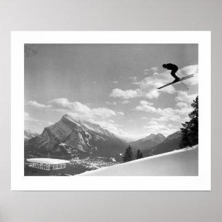 Image vintage de ski, course finale pour la finiti poster