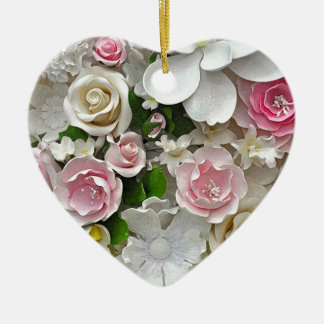 Impression florale rose et blanche ornement cœur en céramique
