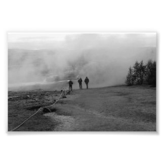 Impression Photo Black and white lui coming from fog manque Iceland