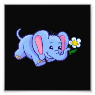Impression Photo Éléphant mignon de bande dessinée avec la fleur