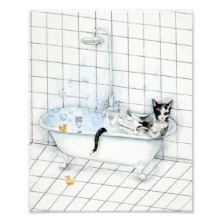 Impression Photo Journal de lecture de chat dans la baignoire