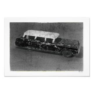 Impression Photo Le cru antique de voiture de jouet a inspiré des