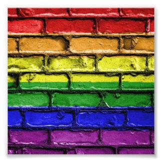 Impression Photo Mur de briques coloré de drapeau de fierté