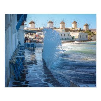 Impression Photo Photos de Mykonos : Moulins à vent et un mur d'eau