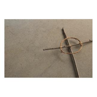 Impression Sur Bois Croix celtique à angles dans les bâtons et les