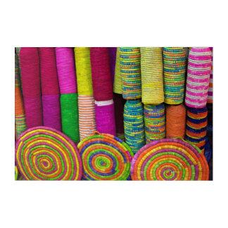 Impressions En Acrylique Paniers colorés au marché