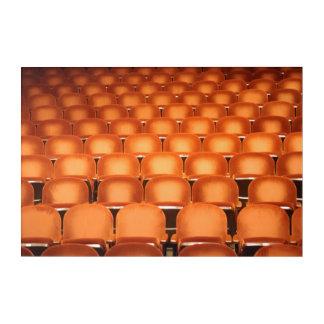Impressions En Acrylique Sièges oranges vides dans l'amphithéâtre