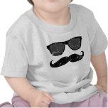 incognito - moustache drôle et nuances roses t-shirt