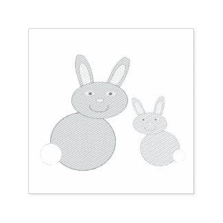 Individu de lapins de jour de mères encrant le tampon auto-encreur