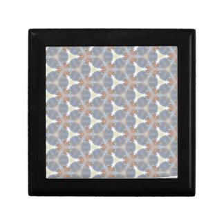 Infestation étrangère 1 petite boîte à bijoux carrée