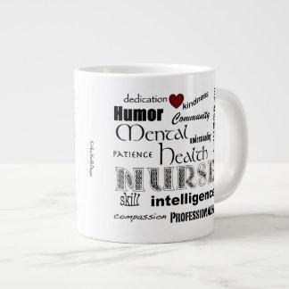 Infirmière-Attributs de santé mentale+coeur rouge Mug Jumbo