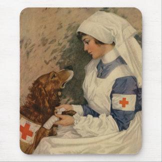 Infirmière avec le golden retriever 1917 WW1 Tapis De Souris