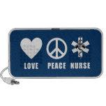 Infirmière de paix d'amour haut-parleurs de voyage