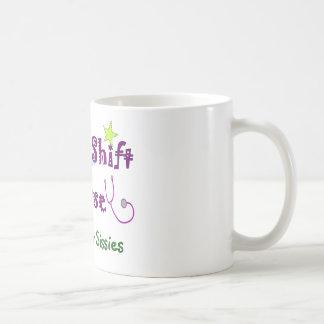 Infirmière de poste de nuit PAS POUR des POULES Mug