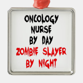 Infirmière d'oncologie de tueur de zombi ornement carré argenté