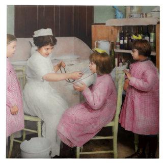 Infirmière - jeu de l'infirmière 1918 grand carreau carré
