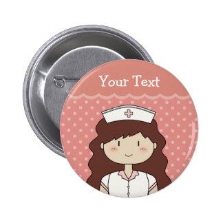 Infirmière mignonne de bande dessinée (brune) badge avec épingle