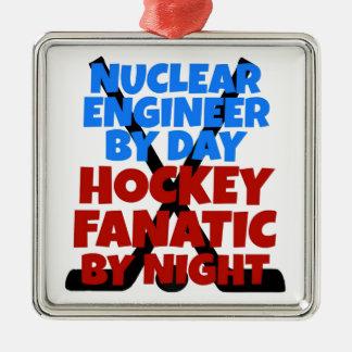 Ingénieur nucléaire d'amant d'hockey ornement carré argenté
