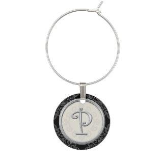 Initiale argentée élégante P de monogramme Marque-verres
