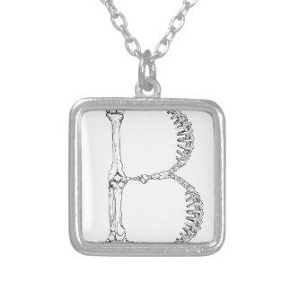 Initiale d'os de la lettre B Collier