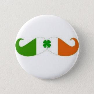 Insigne irlandais de moustache pin's