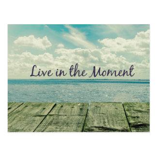 Inspiré vivez dans la citation de moment carte postale