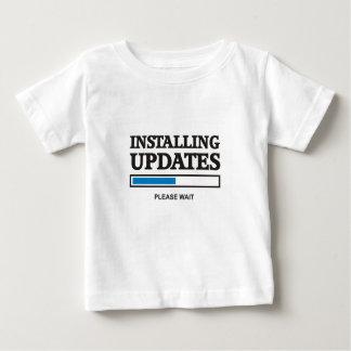 Installation des mises à jour t-shirt pour bébé