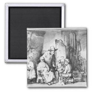 Intérieur de studio avec la peinture de peintre magnet carré
