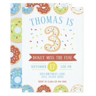 Invitation d'anniversaire de beignet troisième