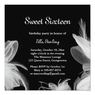 Invitation d'anniversaire de plumes blanches