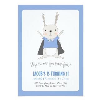 Invitation d'anniversaire de super héros de lapin