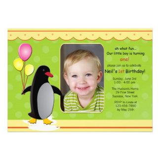 Invitation de photo de pingouin d anniversaire
