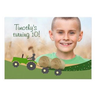 Invitation de tracteur Scène mignonne de ferme d