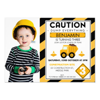 Invitation en construction d'anniversaire de photo