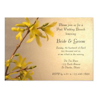 Invitation jaune de brunch de mariage de courrier