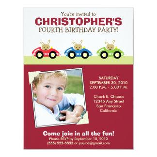 Invitation marron de fête d'anniversaire du garçon
