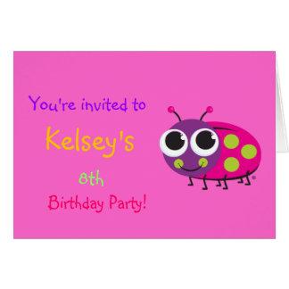 Invitation mignonne d'anniversaire de coccinelle