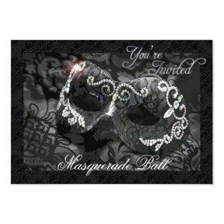 Invitation ornée de bijoux de boule de mascarade