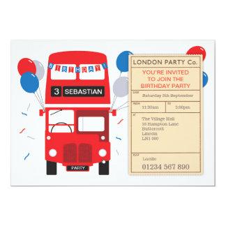 Invitation personnalisé par autobus rouge de fête