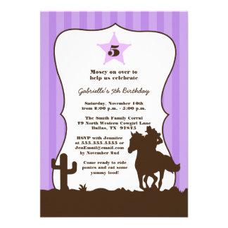 Invitation pourpre de fête d'anniversaire de fille