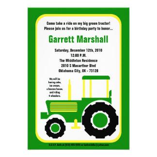 invitation verte d'anniversaire de tracteur de fer