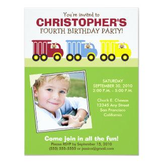 Invitation verte de fête d'anniversaire du garçon