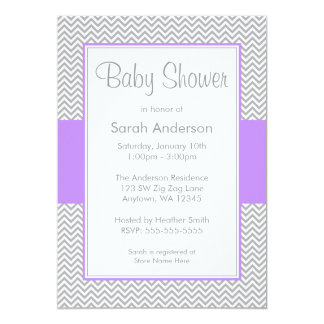 Invitations pourpres et grises de baby shower de