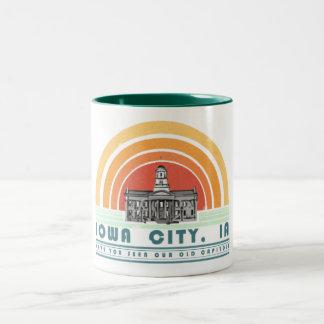 Iowa City - avez-vous vu notre vieux casquette ? Tasse 2 Couleurs