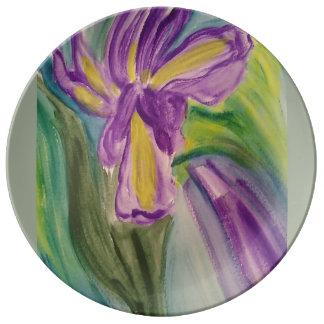 Iris pourpre dans les couleurs pour aquarelle assiette en porcelaine