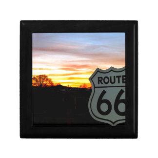 Itinéraire 66 au coucher du soleil petite boîte à bijoux carrée